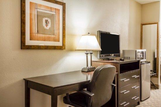 Greenville, AL: Guest room