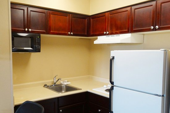 Stafford, TX: Fully Equipped Kitchens