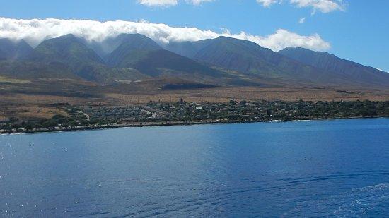 UFO Parasail: The West Maui Mountains