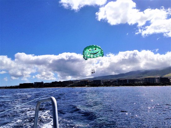 UFO Parasail: Just before the dip....