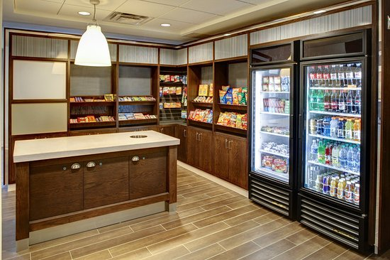 Brentwood, TN: Snacks, drinks and sundries are available 24/7 in the lobby.