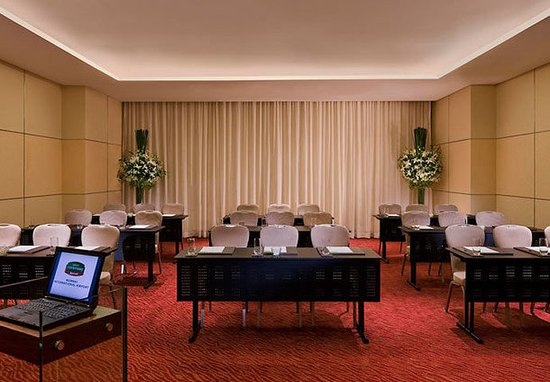 Courtyard by Marriott Mumbai International Airport : Meeting Room