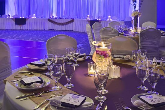 DoubleTree Resort by Hilton Myrtle Beach Oceanfront: Wedding Centerpiece