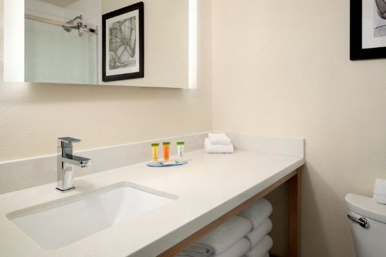 Uniontown, PA: Renovated Bathroom