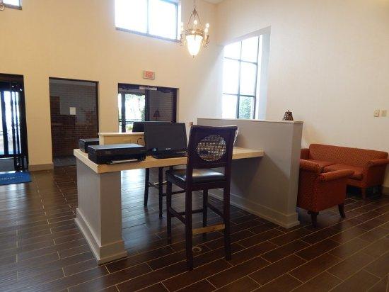 Uniontown, PA: Business Center