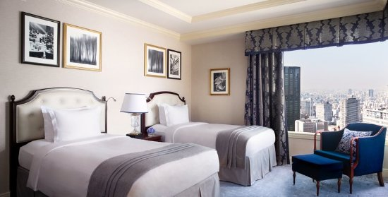 The Ritz-Carlton, Osaka: Find space and comfort in our Executive Suite Twin Bedroom