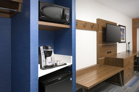 College Park, MD: All of our rooms include a microwave, mini-fridge and Keurig Maker