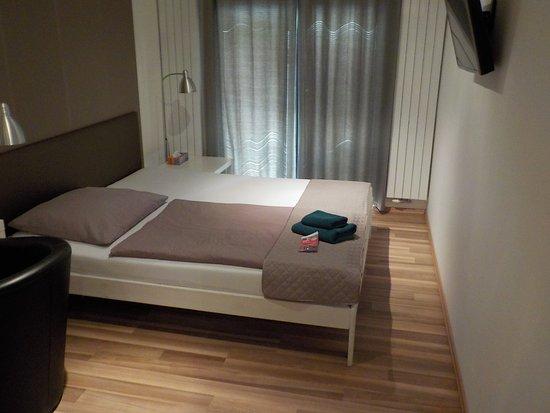 VV Hotel: Bed