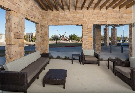 Midlothian, TX: Outdoor Patio