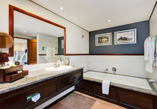 Centurion, South Africa: Executive Suite Bathroom