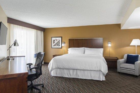 Buffalo Grove, IL: Corner King Room