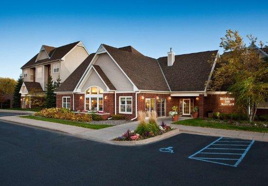 Roseville, MN: Entrance