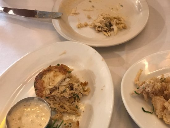 Morris, IL: Calamari and crab cake