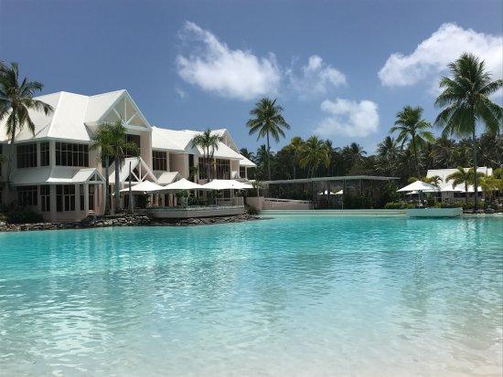 picture of sheraton grand mirage resort port. Black Bedroom Furniture Sets. Home Design Ideas