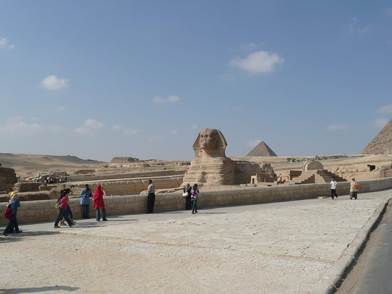 Great Sphinx: スフィンクスは意外に小さかったです。