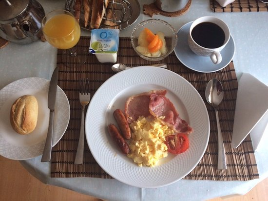 Seamount House: Elaine made special breakfast during our visit