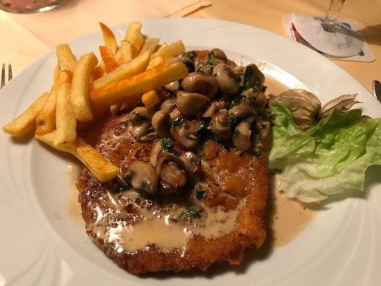 Olpe, Alemania: Mega lecker. Champignon Rahm Schnitzel mit leichter Knoblauchnote