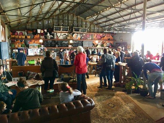 Metricup, Australia: Beer Farm...'The Bar in the Barn!'
