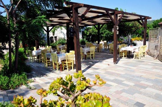 Spilia Village Hotel: Restaurant & Frühstück