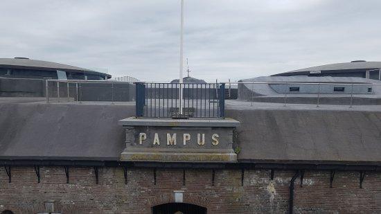 Muiden, هولندا: De eerste blik op het fort