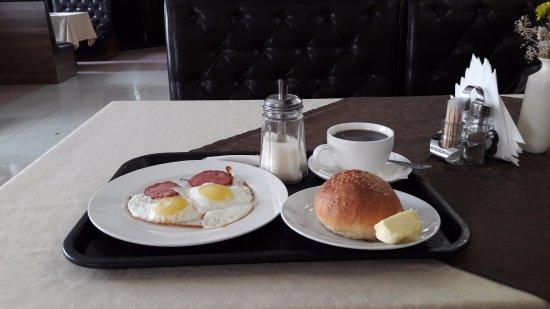 Velsk, Russie : завтрак