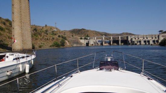 Douro Fluvina Yachts: Approaching Pocinho Lock