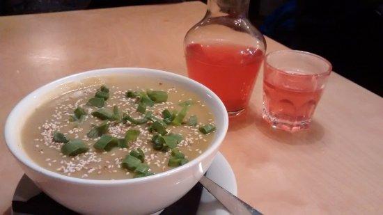 MiiT Coffee: potato and parsley soup + marzipan & plum tea