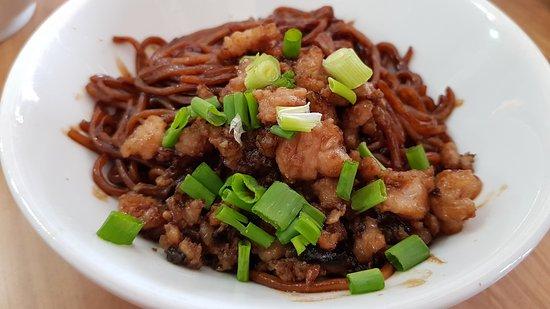 Kedai Kopi Jia Xiang Sang Yuk Mian Kota Kinabalu Restaurant Reviews Photos Tripadvisor