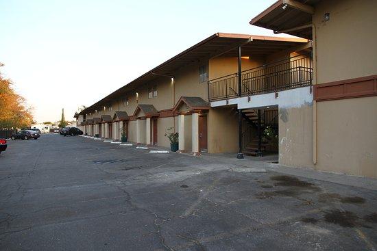 Merced, CA: Arrière de l'hotel