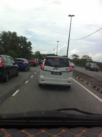 Sepang, Malasia: Traffic builds