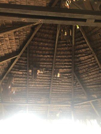Japamala Resort by Samadhi : Kaputtes Dach