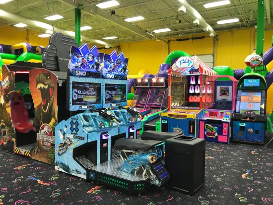 Middletown, DE: Jump On Over arcade games
