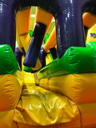 Middletown, DE: Jump On Over Slide