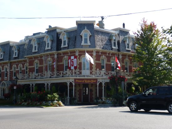 Jalur Rekreasi Niagara Park: Le plus ancien hotel de Niagara on the lake