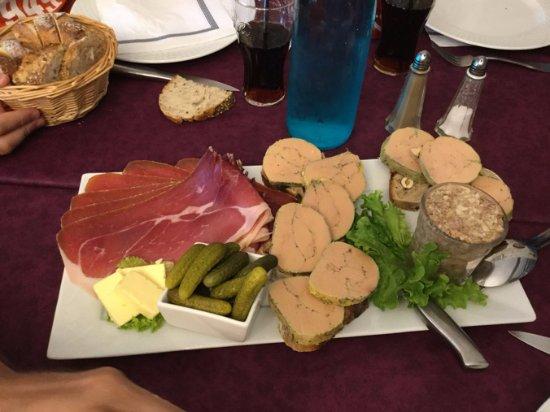 Labastide-d'Armagnac, França: Foie gras, jambon de Bayonne, rillettes à l'ail