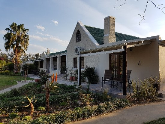 Addo, South Africa: Front view of guesthouse