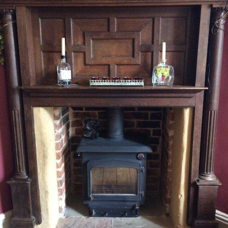 Tenbury Wells, UK: The wood stove in the main bar area