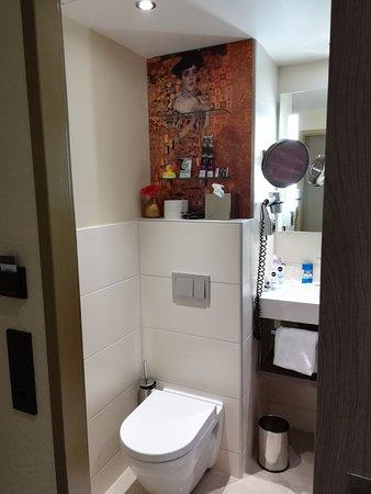 Mercure Wien Zentrum: Klimpt over toilet