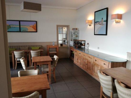Hotel Les Ajoncs d'Or : La salle du petit-déjeuner