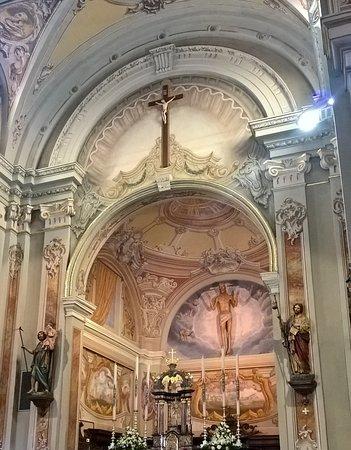 Cerro Al Lambro, إيطاليا: altare