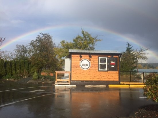 Courtenay, Canada: Under every good rainbow is a pot of great coffee!