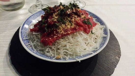 Asia Restaurant : En entrée, la salade Asia, un plat aux multiples textures qui se découvre bouchées après bouchée