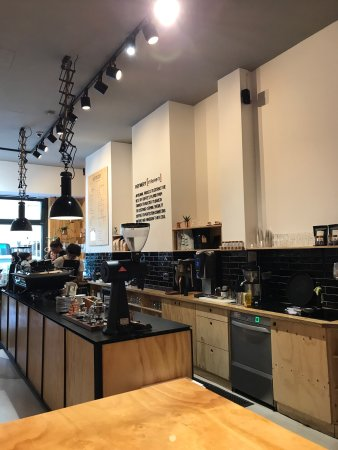 Refinery: Modern interior and great coffee