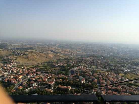 Borgo Maggiore, San Marino: panorama funivia
