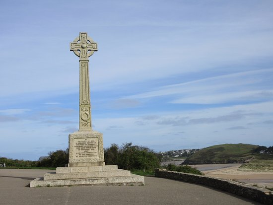 Padstow Harbour : Memorial on the coastal walk from the harbour