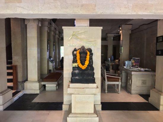 Karma Royal Jimbaran: Entrance