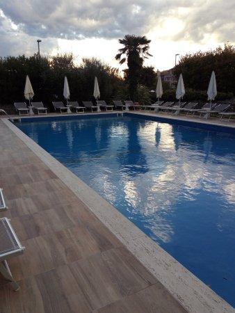 Hotel ca 39 mura bardolino italien omd men och - Piscina g conti verona ...