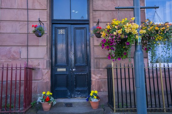 Uddingston, UK: Flowers at the Door