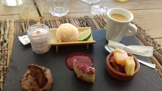 La Roque-d'Antheron, France : Café gourmand