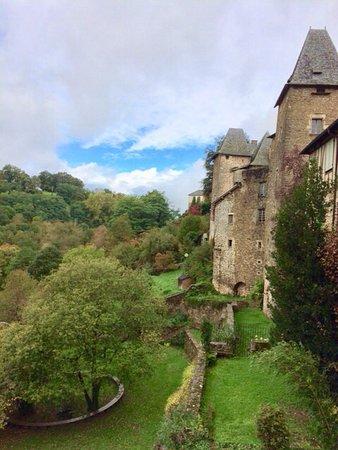 Uzerche, Prancis: Photo du balcon côté droit